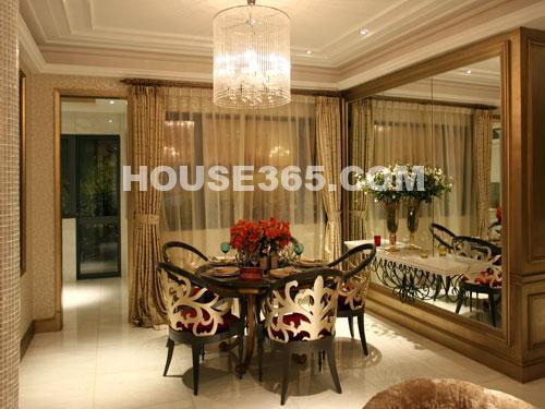 世茂香槟湖样板房188平米样板房精致餐厅