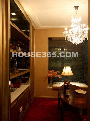 世茂香槟湖样板房188平米样板房优雅书房