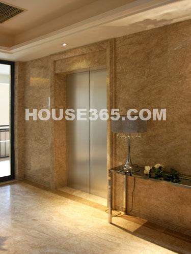世茂香槟湖样板房188平米样板房超大电梯入户大厅