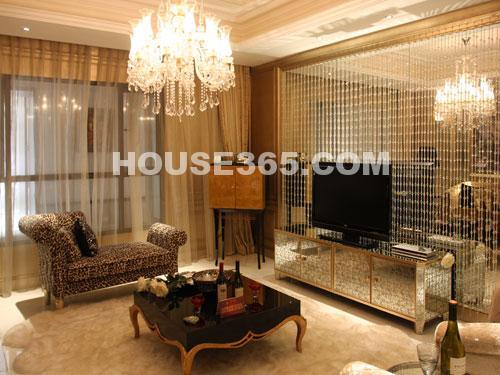 世茂香槟湖样板房188平米样板房窝心客厅