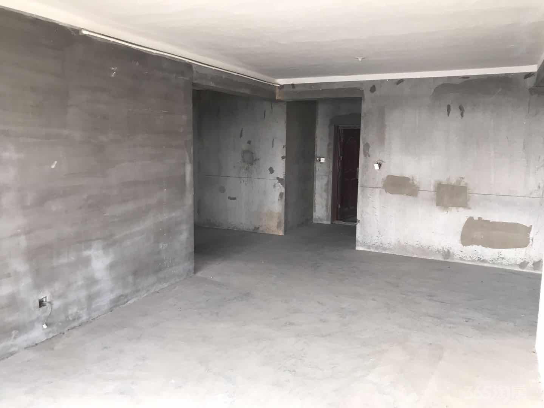 龚家名园3室2厅2卫127.75平米整租毛坯