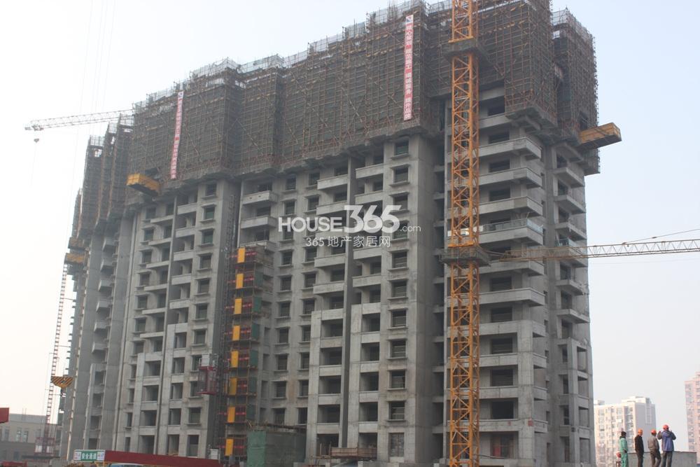 世茂外滩新城在售的06号楼已经建至14层(2.20)