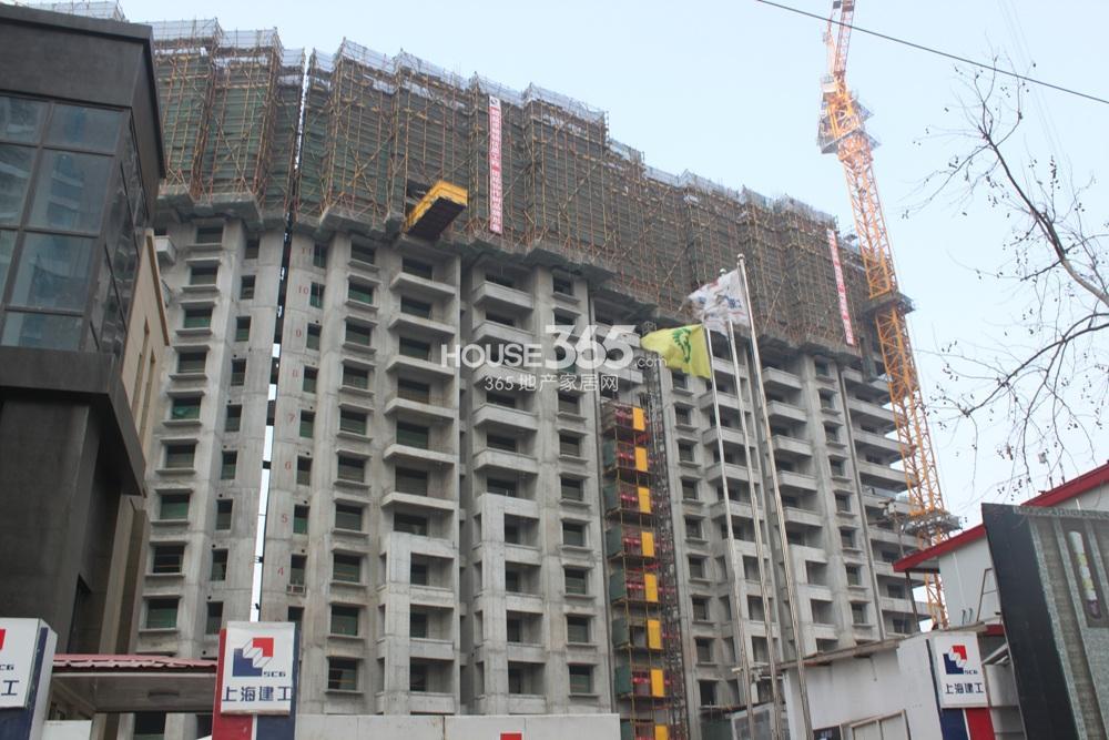 世茂外滩新城在建的06号楼(2.20)