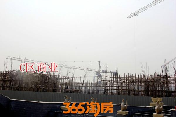 金晖罗兰小镇C区施工中(2017.10摄)