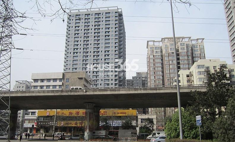 利兹瀚宫周边配套酒楼(2013.3.25)
