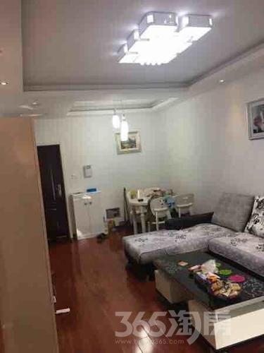 东城豪庭2室2厅1卫79平米精装产权房2012年建满五年