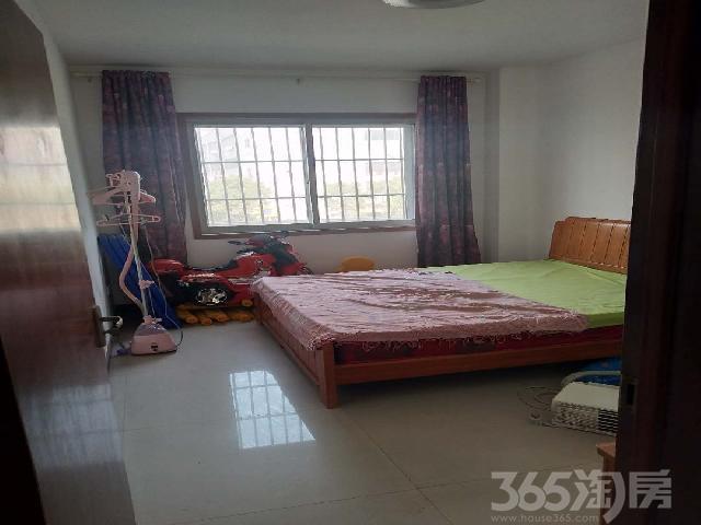 香港街西头3室1厅1卫120㎡整租中装