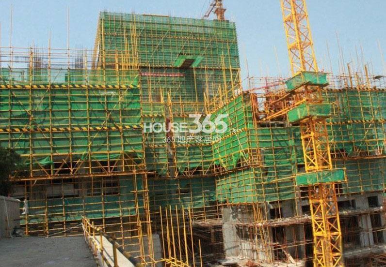 新福兴面孔公社10#楼工程进度(2013.7.31)