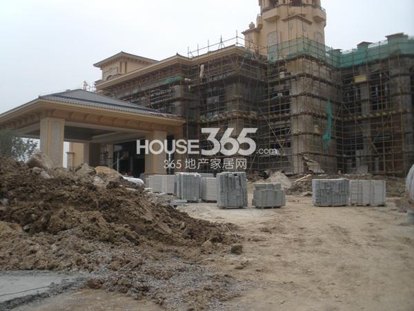 雅居乐滨江国际在建售楼处实景图(9.25)