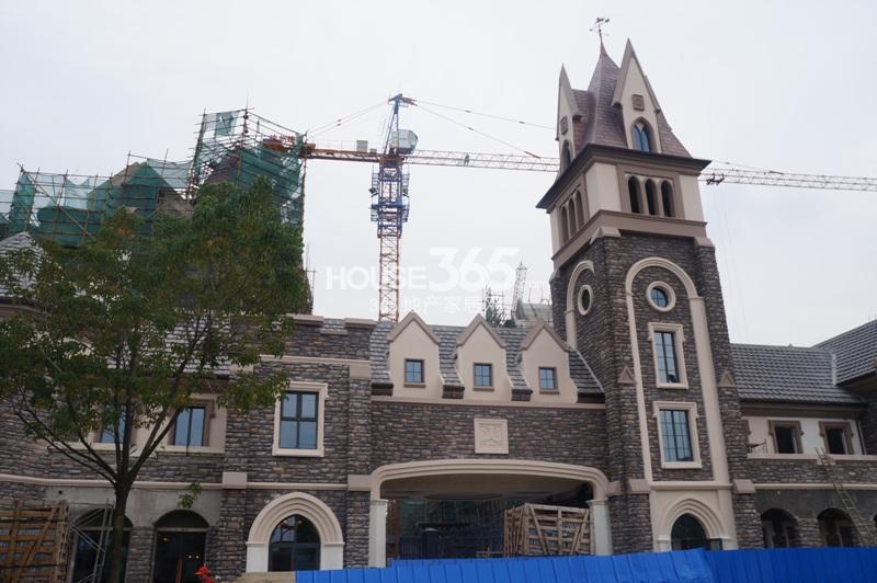 高湖道售楼处正在建设中(10.17)