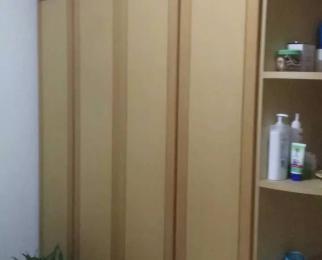 红山路173号3室1厅1卫78平方产权房精装