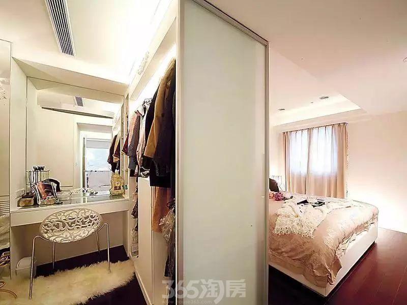 卧室空间别再浪费了!如今大年夜家都如许设计,4㎡就够了~