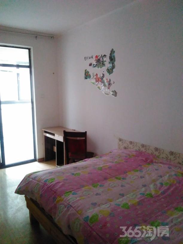 融科城4室2厅1卫12平米合租中装