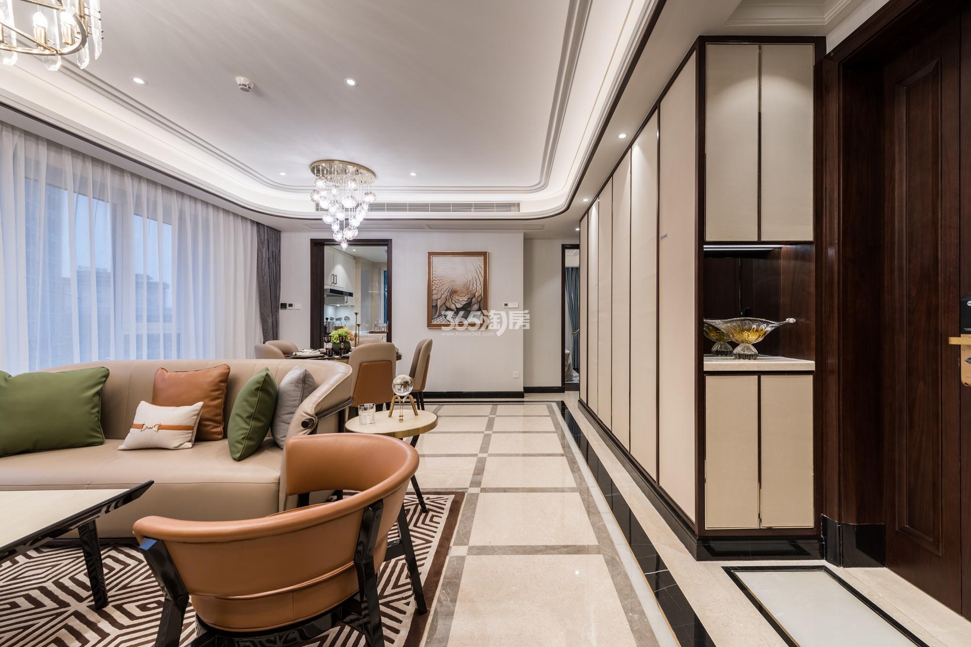滨江保利翡翠海岸131方(A1户型)亚洲风格样板房---客餐厅局部