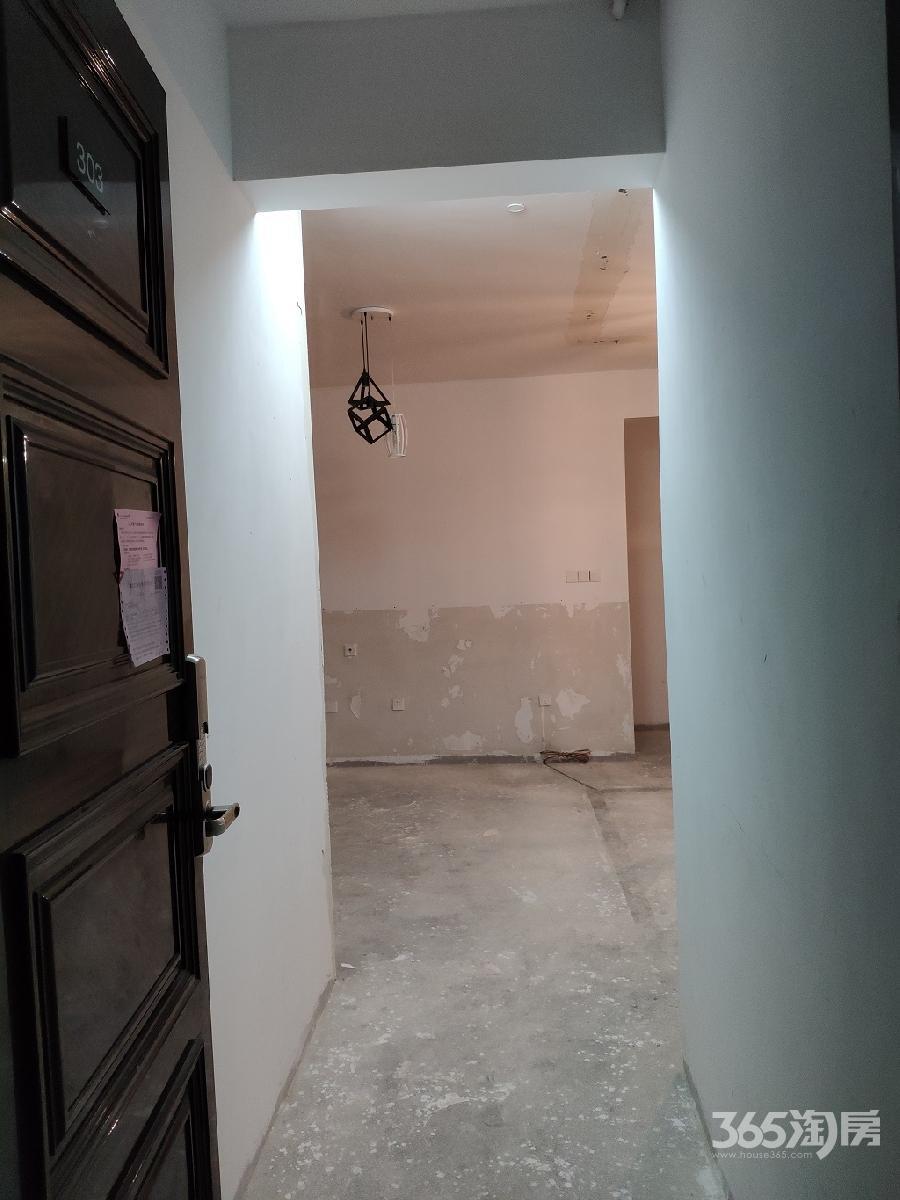 雅居乐藏龙御景3室2厅2卫139平方产权房毛坯