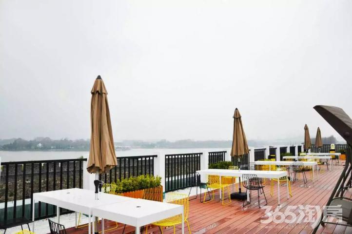 梧桐国际公寓鼓楼紫峰玄武门湖南路1号线沿线玄武湖畔