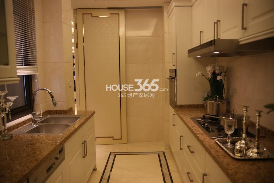 中海御道路一号138方样板房—厨房
