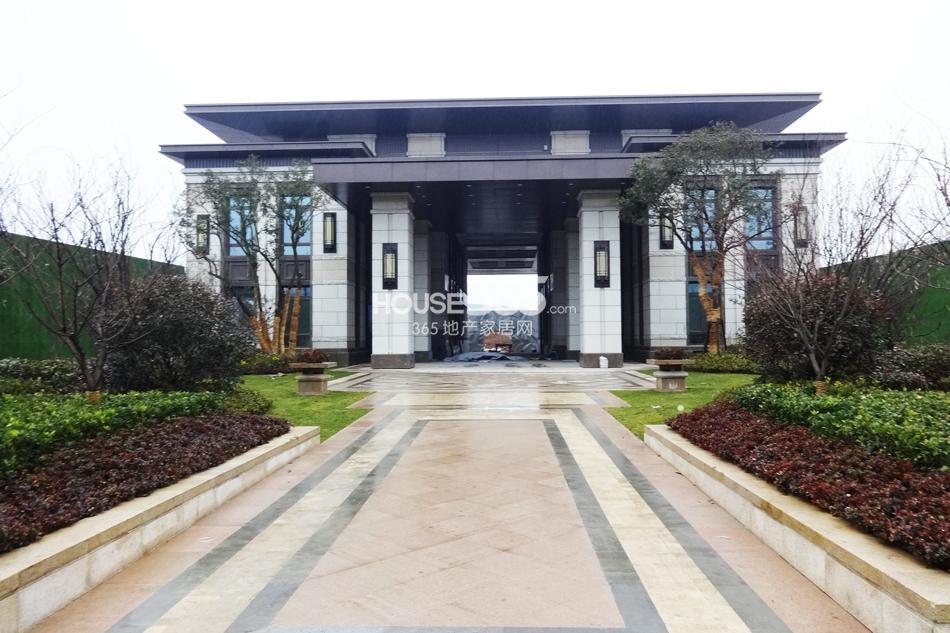 高科荣境南面入口处实景图(1.15)