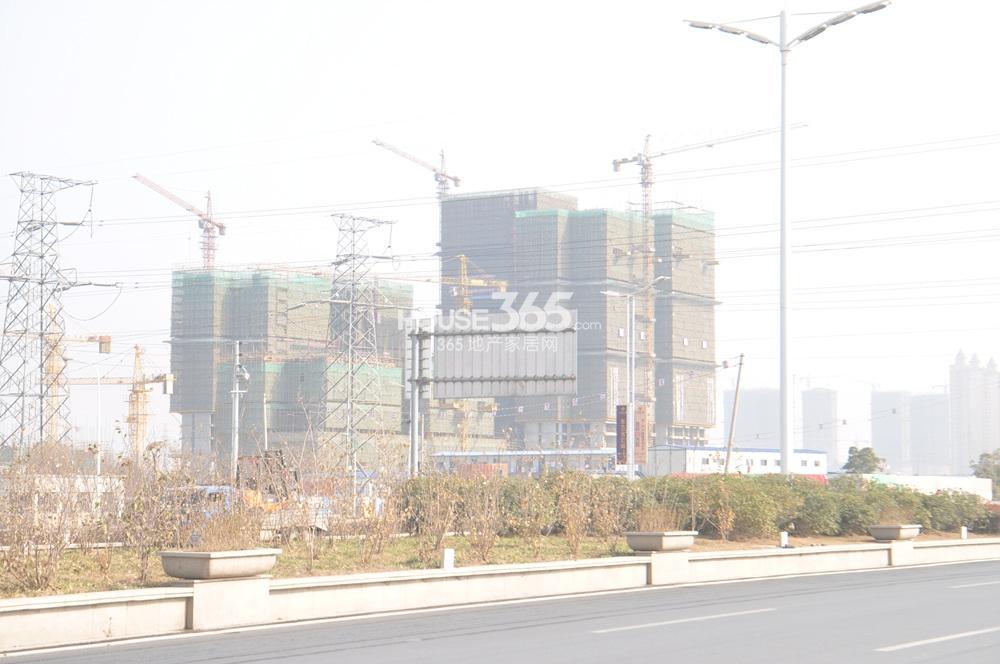东方万汇城在建公寓实景图(1.25)