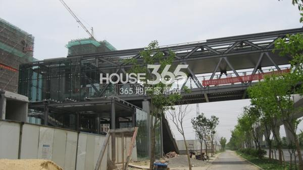 长泰国际社区旁边的地铁2号线正在建设中(2014.5)