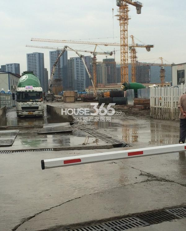 理想银泰城项目施工现场(2014.6.1)