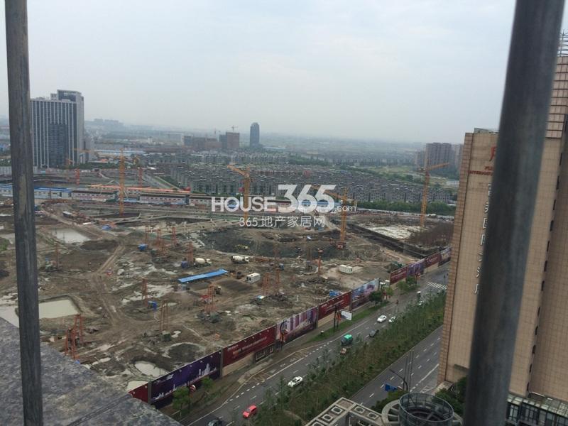 理想银泰城项目施工现场整体鸟瞰图(2014.6.1)