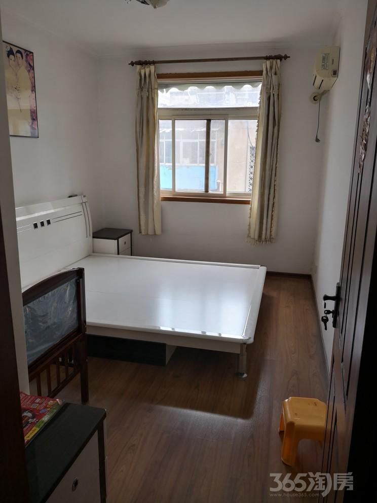 煤建西路六号院3室1厅1卫69.83平米1984年产权房精装