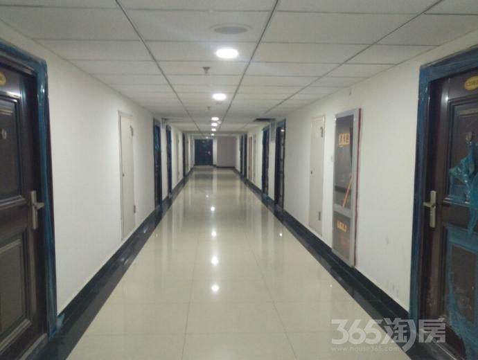 凤栖园地铁口45-135�O一室到三室现房出售