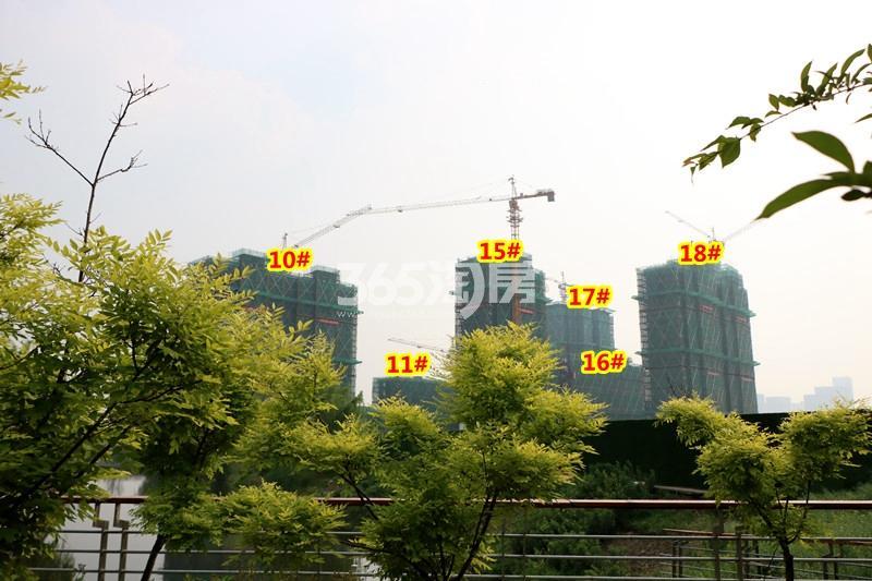 中锐星公元10-11#、15-18#楼工程进度实景(2018.4摄)