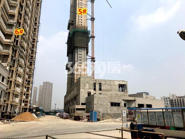 世茂时光里5#、6#楼工程进度实景(2018.4摄)