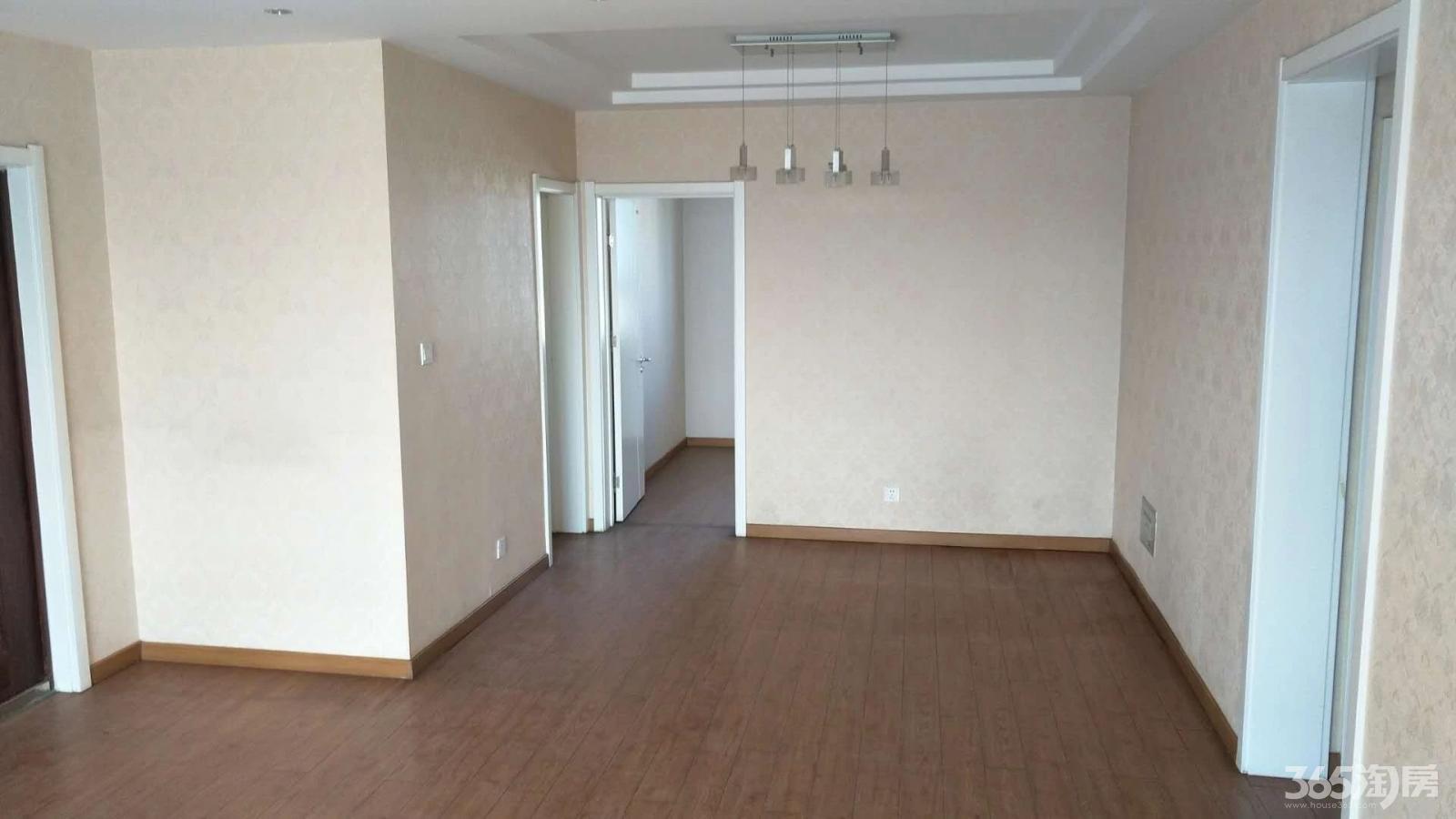 新中星花园3室2厅2卫174平方使用权房精装