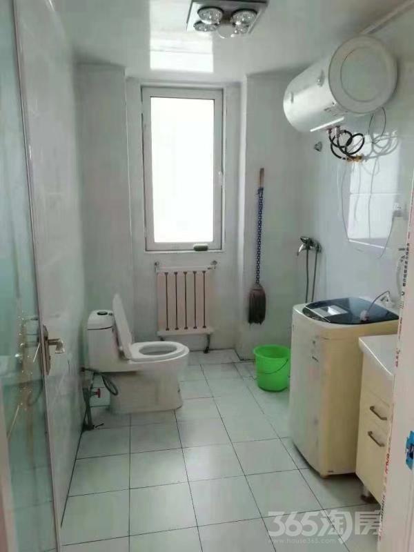 悦海园3室2厅2卫98平米合租精装