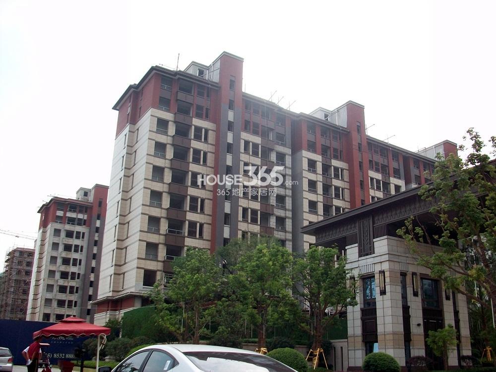 高科荣境32号楼外立面实景图(8.20)