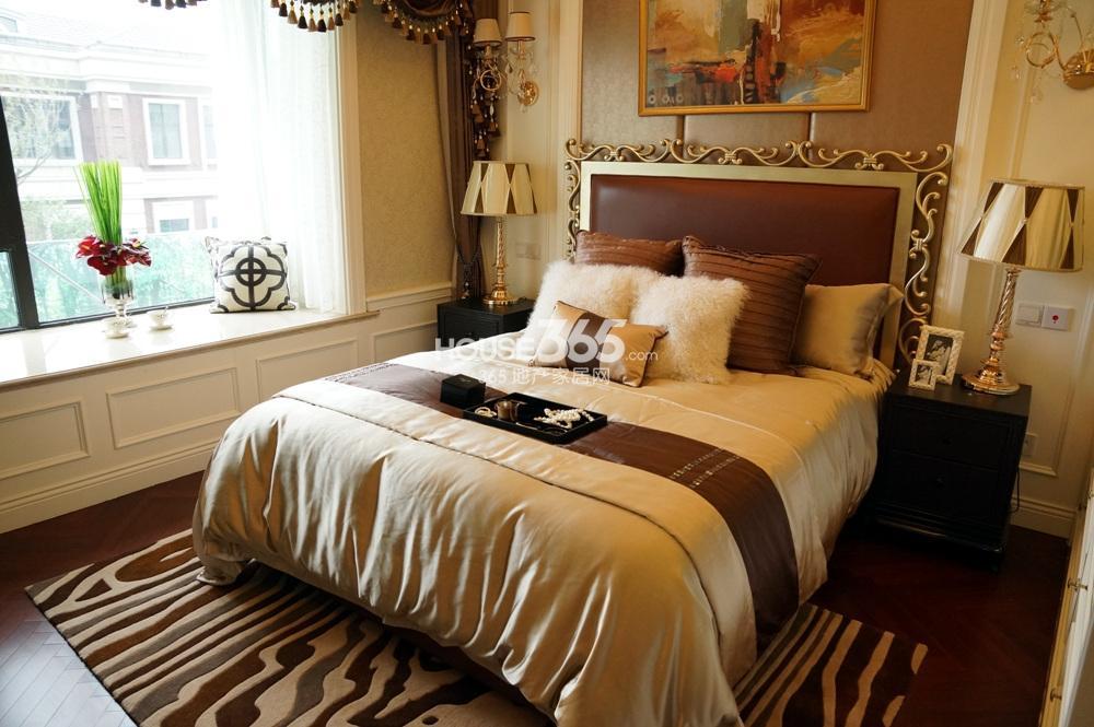银亿东城C1样板间131㎡——卧室