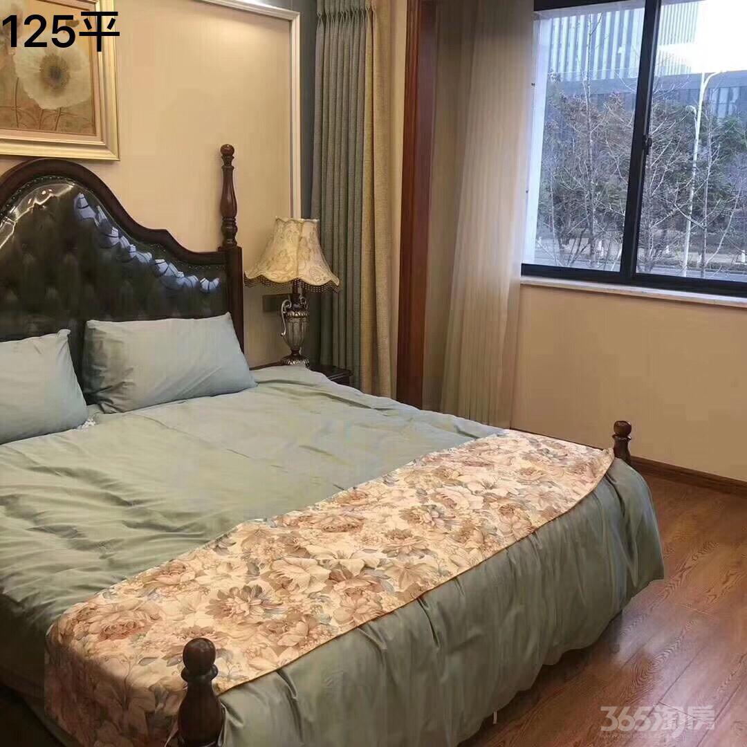 鸿翔 中央府4室2厅2卫125平米毛坯产权房2019年建