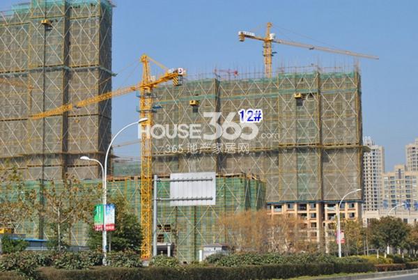 雅居乐中心广场12#楼工程实景图(2014.12 摄)