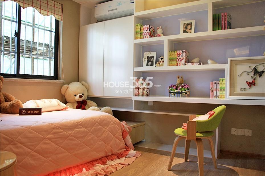 华强城美加印象四期XA-1户型样板房-儿童房