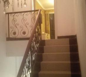 奥斯博恩4室2厅3卫150M2前后院精装送设备别墅