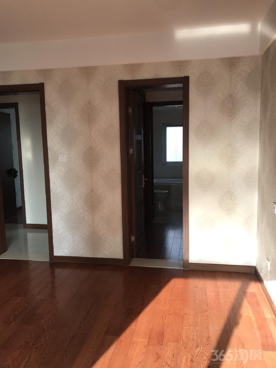 钟楼新城香悦半岛3室2厅2卫136�O