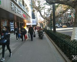 珠江大厦对面 旺铺招租 沿街 户型方正 除餐饮 随时看房