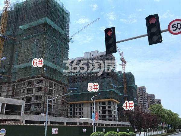 栖霞东方天郡4-6#楼实景图(2019.7.30 摄)