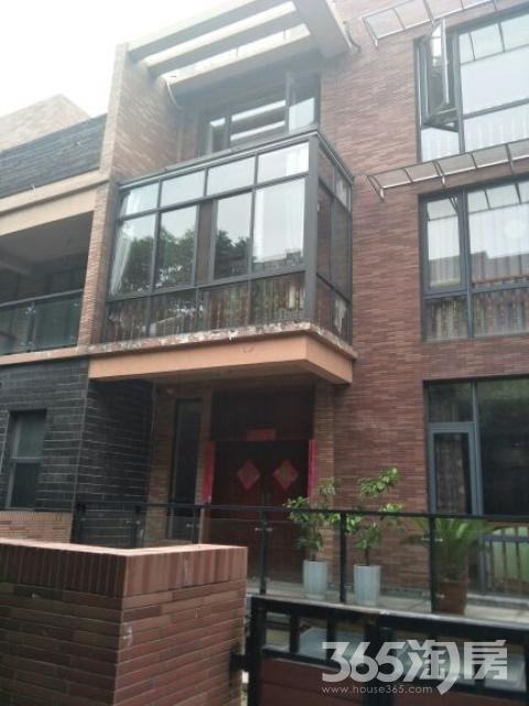 第九园6室4厅5卫370平米2011年产权房毛坯
