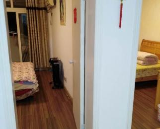 宇秦园4室2厅1卫75平方产权房简装