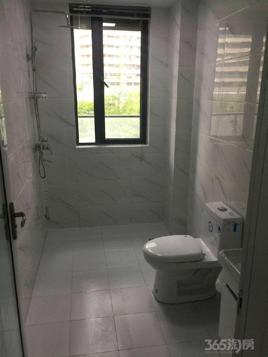 伟星蔚蓝海岸4室2厅2卫168平米整租精装