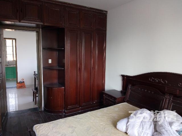 湖沁花园东区3室2厅2卫116㎡2005年满两年产权房简装