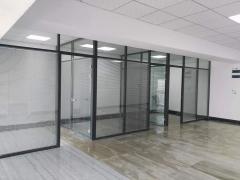 西湖国际广场153平精装办公室出租,有空调和部分家具