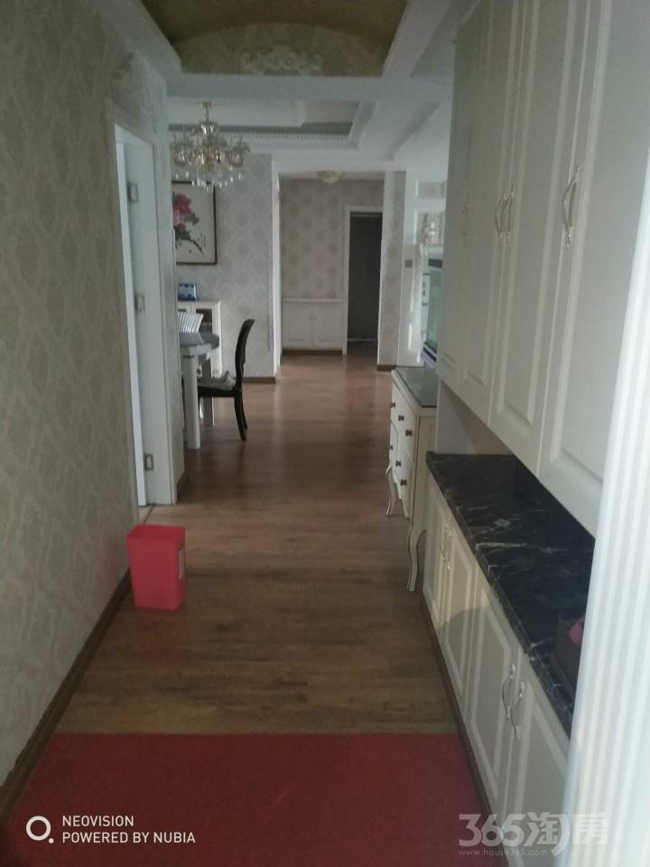华强城美加印象3室2厅1卫120平米整租豪华装