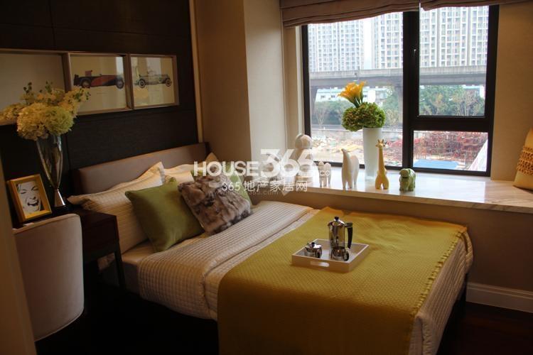 雅居乐国际花园D4、E4户型89方样板房——卧室