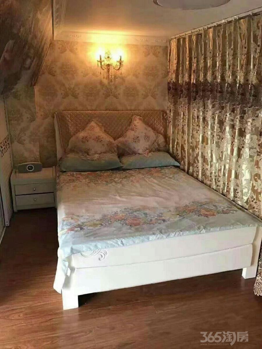云庭花园2室1厅1卫75平米整租豪华装