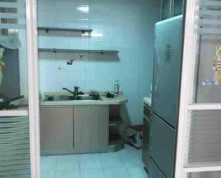 第一国际2室1厅1卫111平米合租精装